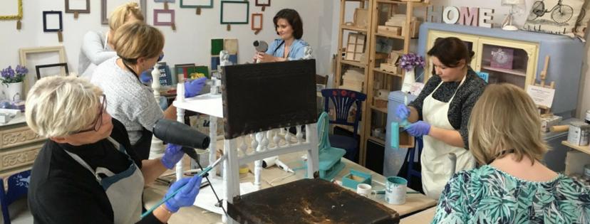Fotorelacja z warsztatów stylizacji mebli farbami kredowymi Chalk Paint Annie Sloan – 19 listopada 2016
