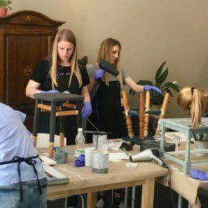 Fotorelacja z warsztatów stylizacji mebli farbami kredowymi Chalk Paint Annie Sloan – 21 kwietnia 2018