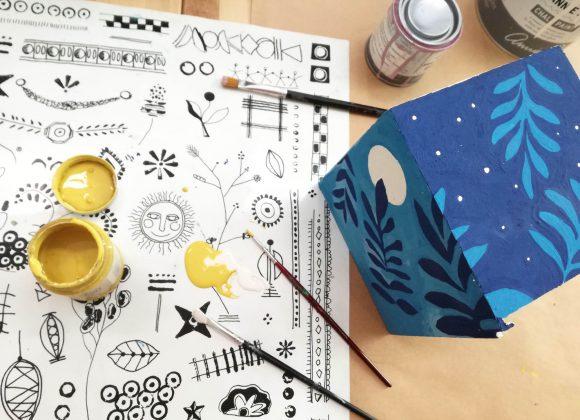 """Chustecznik """"na dzień i na noc"""" – malowany farbami Annie Sloan"""