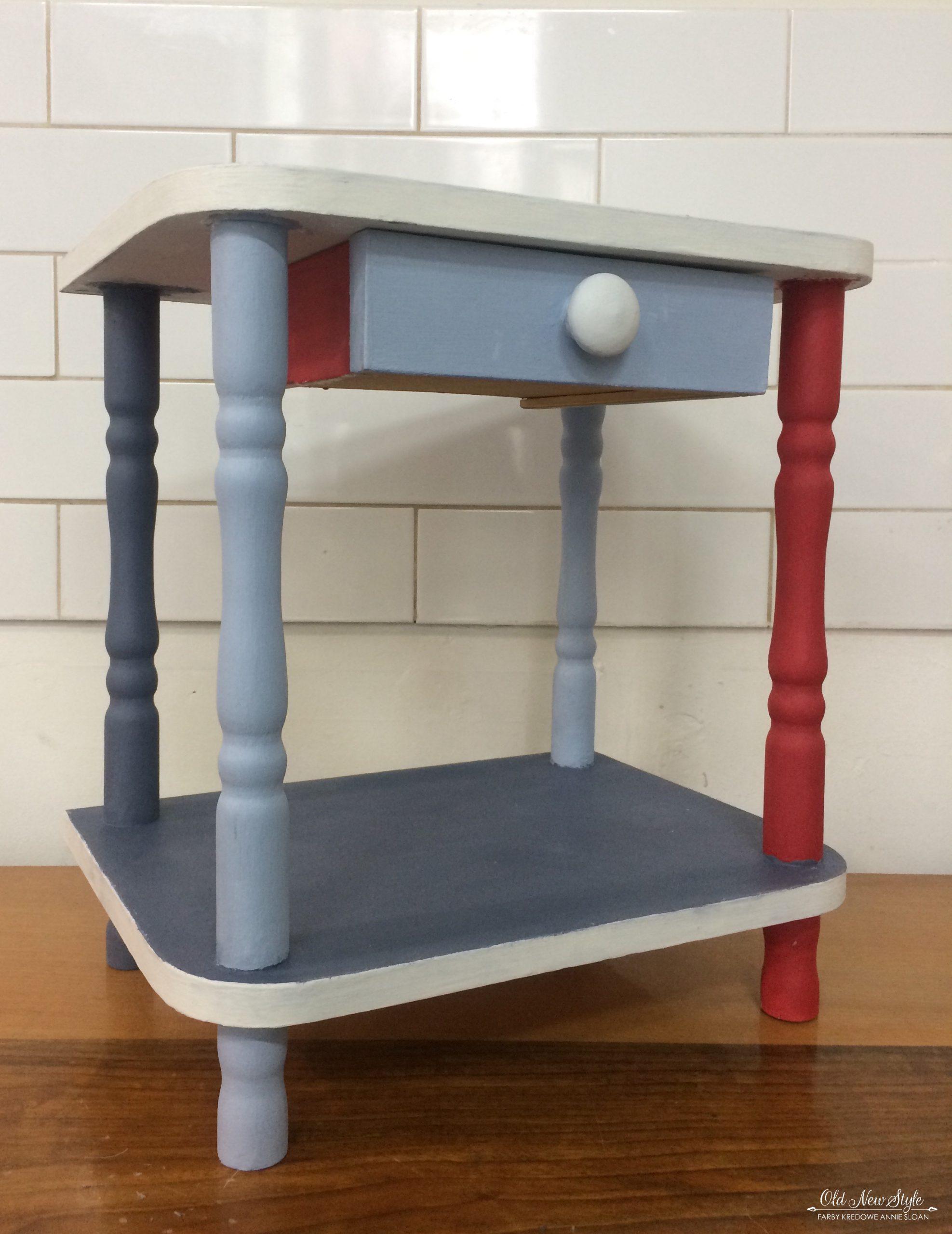 Kolorowy stolik vintage